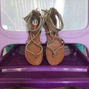 Girl sandals 💛